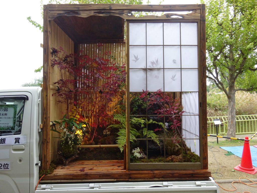 Κήποι σε καρότσες φορτηγών 4